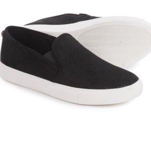 Steve Madden Shoes   Black Essa Slip Ons Size 7